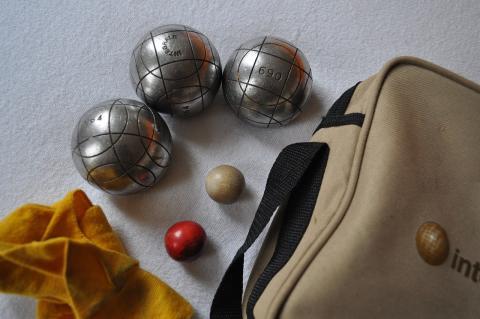 Boka ditt möte nu så bjuder vi på boule med tilltugg