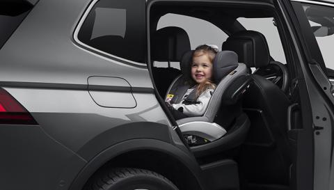Många nyblivna föräldrar får inte information för att säkert transporterar sina barn i bil