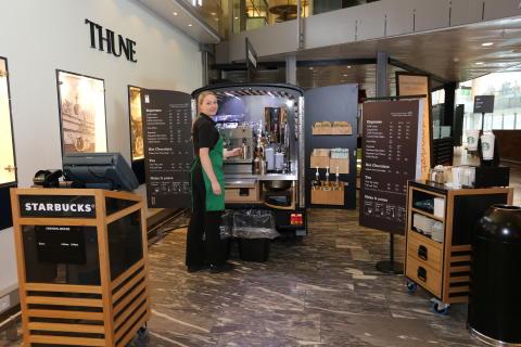 Rullende Starbuckskaffe til utenlandsreisende