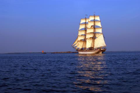 C2 Vertical Safety utbildar ombord. Ny partner för Initativet Hållbara Hav