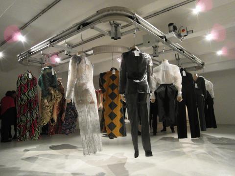 """Cay Bond i """"Fashion Talks"""" på succéutställning"""
