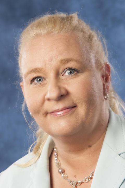 Marjo Tuomikoski Adlibris Finland Oy:n toimitusjohtajaksi