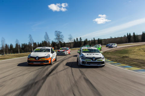 Ny tvekamp att vänta i Renault Clio Cup – eller bli det en trekamp?