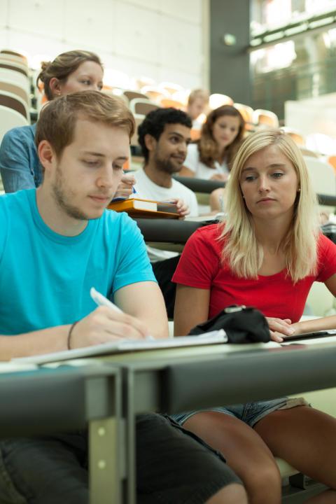 """Gesundheitsbewusste Technische Hochschule Wildau: """"Stresstypenbestimmung"""" am Gesundheitstag auf dem Campus am 8. Dezember 2015"""