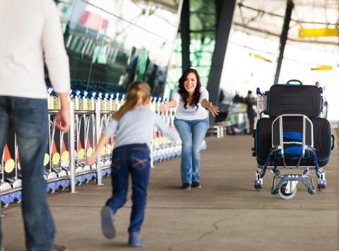 Nordmenn vil møte familien på flyplassen