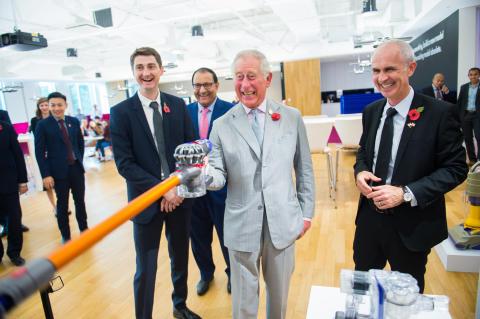 Prince Charles Besuch im Dyson Technologiezentrum Singapur
