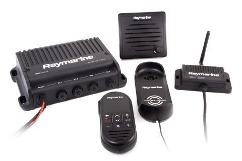 Raymarine: Rozmawiaj z dowolnego miejsca na podkładzie dzięki radiom VHF Ray90 i Ray91 z obsługą technologii bezprzewodowej
