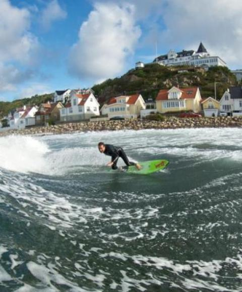 Surfare utanför Mölle, foto Jeff Flindt