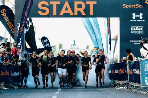 Viele Tausend Läuferinnen und Läufer gingen beim SportScheck RUN 2019 auf die Strecke