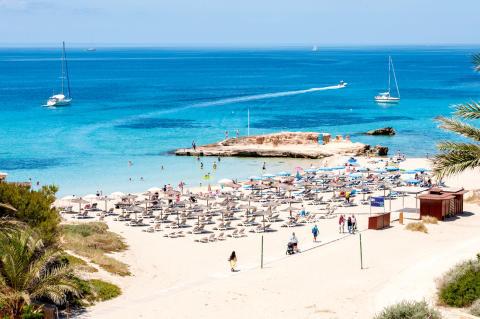 Fler svenskar till Ibiza i sommar