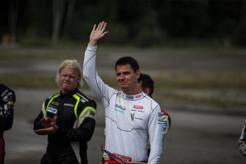 Alexander Hvaal är trea i mästerskapet inför tävlingen i Norge