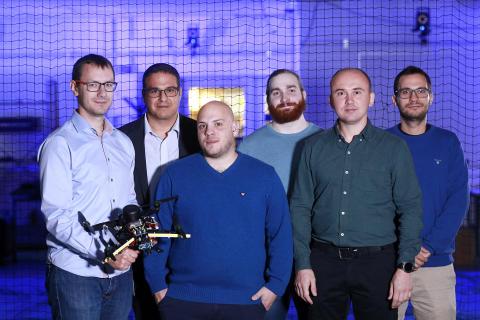 Pressträff AI-uppvisning med självkörande drönare i Mjölkuddsberget