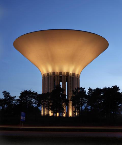 Uppsala vattentorn kan vinna priset för Sveriges bästa ljusprojekt