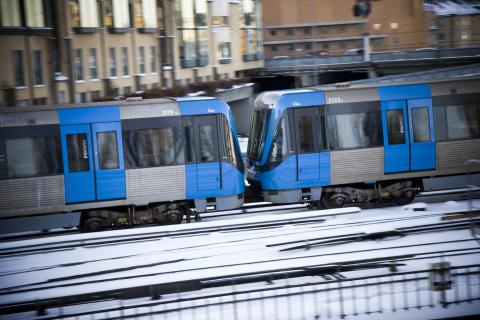 Tunnelbanetåg i rörelse