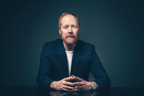 Lars-Johan Åge föreläser på Medborgarskolan hösten 2019.