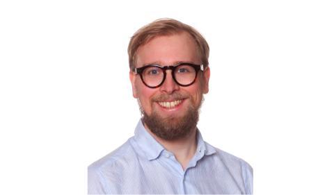 2019 års pris till minne av Lennart Sparell tilldelas  Doktor Johan Bengtsson-Palme, Institutionen för biomedicin, avdelningen för infektionssjukdomar vid Göteborgs universitet