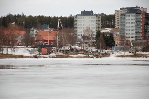 Umeälvens is vid Öbacka försvagas fredag 30 mars