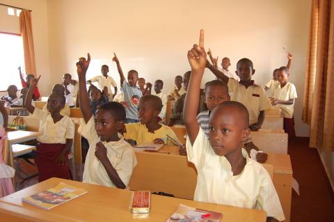 AstraZeneca stöder SOS-Barnbyar