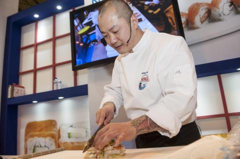 Escuela Sushi Salmón Noruego Hung Fai 3