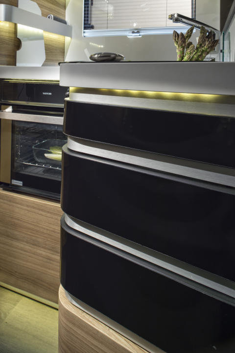 Adria-Sonic-Supreme_710_SC_drawers