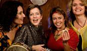 14 november kl. 17 Kvinnoliv i rött-  konsert med sånggruppen TETRA