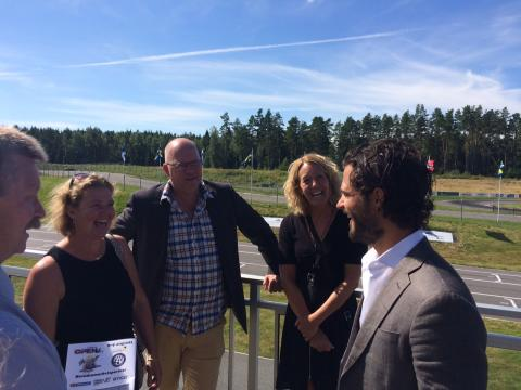 Uppskattat besök av Prins Carl Philip hos OnePartnerGroup.