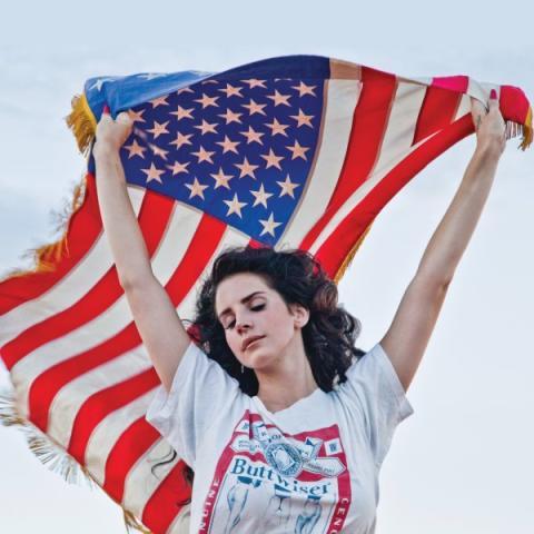 Albumaktuella Lana Del Rey kommer till Sverige