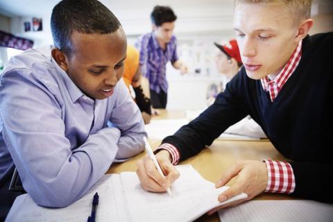 Mimer fördubblar stödet till läxhjälp på Bäckbyskolan