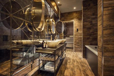 Freedom Bathroom at Stora Hotellet by Stylt Trampoli