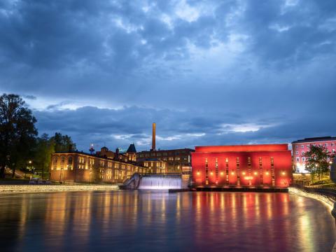 Tampere hehkuu punaisena Maailman sydänpäivänä