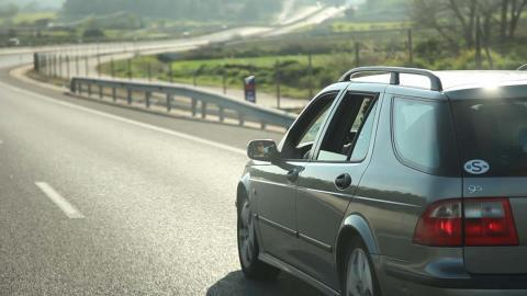 4 av 10 svenskar på bilsemester i sommar