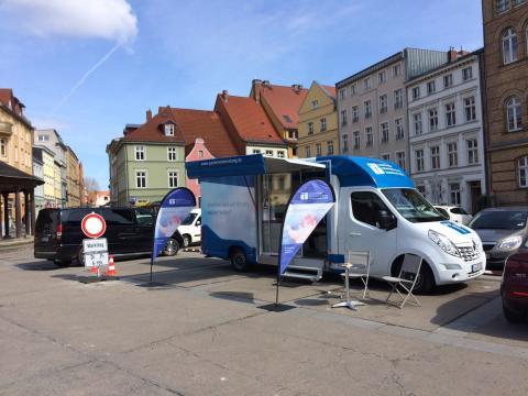 Beratungsmobil der Unabhängigen Patientenberatung kommt am 22. August nach Stralsund.