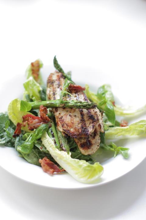 Nu kan du smaka Jamie Olivers nya spännande rätter - serveras på alla Scandic hotell