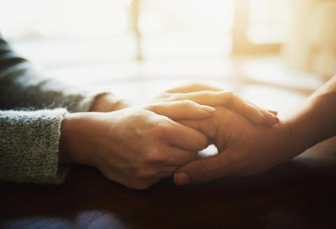 För eller emot dödshjälp – bred diskussion behövs innan beslut kan fattas