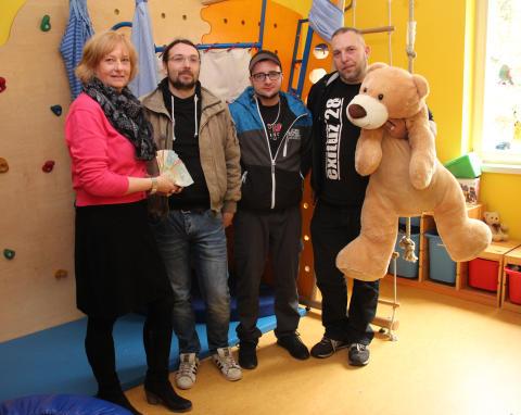 Band exituz28 mobilisiert Spender für Bärenherz