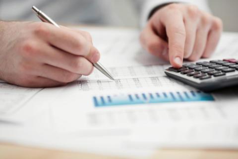 Översättning ekonomi finans