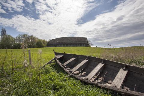 Trelleborg - vikingehus og båd