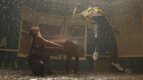 Alicia Keys och Miguel - Show Me Love