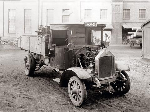 The 100-years successful story of MAN Truck & Bus