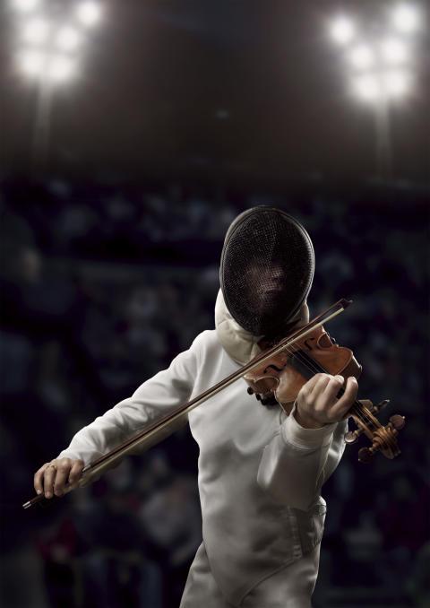 1 symfoniorkester, 4 fäktare, 4 brottare, 50 gymnaster och 1000 bollar i StadionMusik