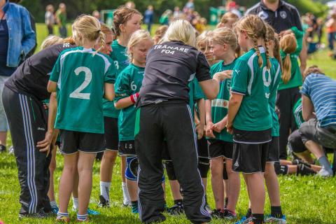 PRESSINBJUDAN: Är världens bästa idrott barnens bästa?