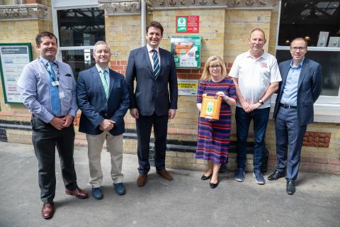 Heart restarter demo at Lewes station