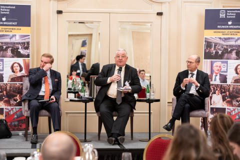 UIC and UNIFE debate digital railway at International Railway Summit reunion breakfast