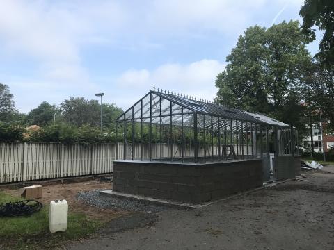 Första växthuset i miljonsatsning snart färdigt