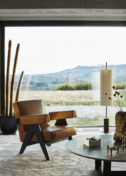 16_CASSINA_Capitol Complex Chair_Hommage Ö Pierre Jeanneret_ph∏DePasquale+Maffini