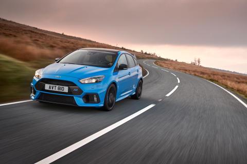 Ford låter gamers tävla mot Harry Tincknell och Ford Focus RS i Forza Motorsport 6 vid Gamescom