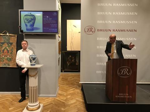 Jesper Bruun Rasmussen sælger Ming-vasen for 12 mio. kr.