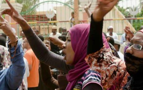 Kvinnor kräver regimens fall i Sudan