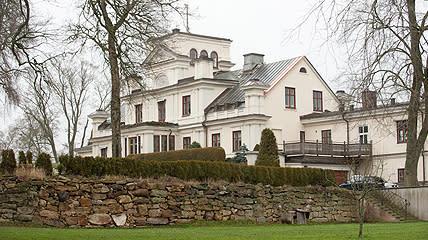 Musik på Slott och Herresäten presenterar sommarens andra konsert med Duo Capricci på Dagsnäs Slott utanför Skara måndagen den 9 juli med start 19:00.
