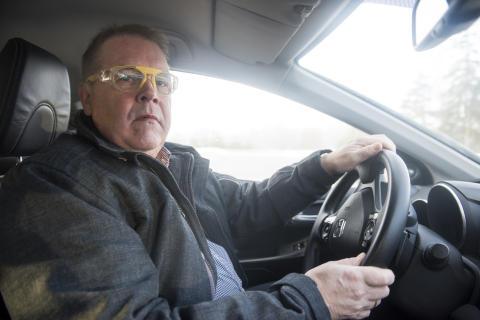 Leif Petterson (S) ledamot i trafikutskottet testkör – Synbesiktningen 2016